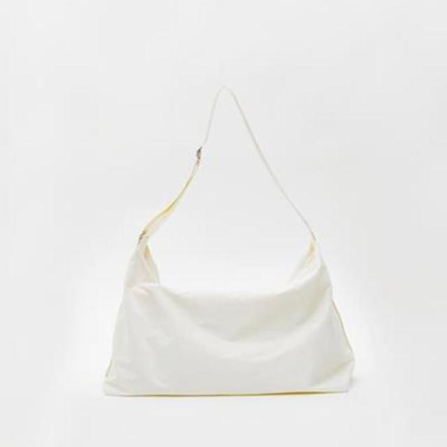 【現貨】FABRIC HOBO BAG - 牛奶白 /  WHITE